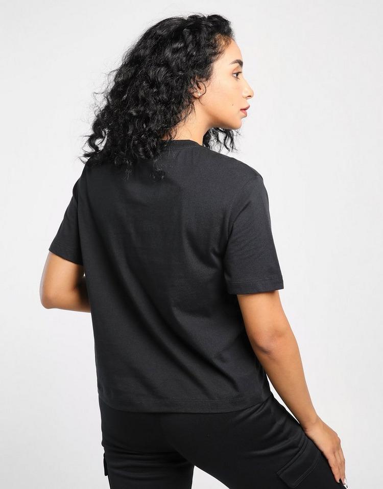 NIKE Essential Logo Boyfriend T-Shirt