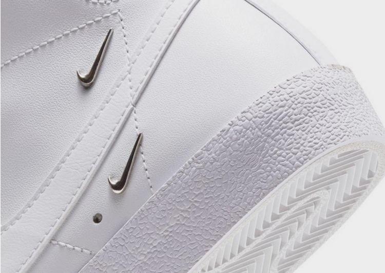 Nike รองเท้าผู้หญิง Blazer Mid '77 SE 'Sisterhood'