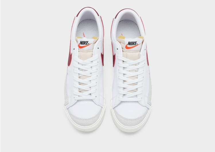 Nike รองเท้าผู้หญิง Blazer Low '77