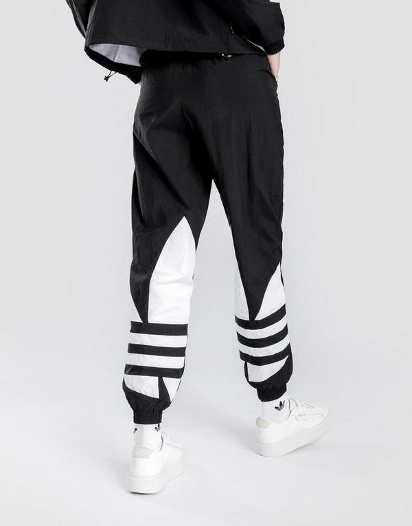 fuochi dartificio Afferrare Interpretive  Buy adidas Originals Big Logo Tracksuit Bottoms | JD Sports