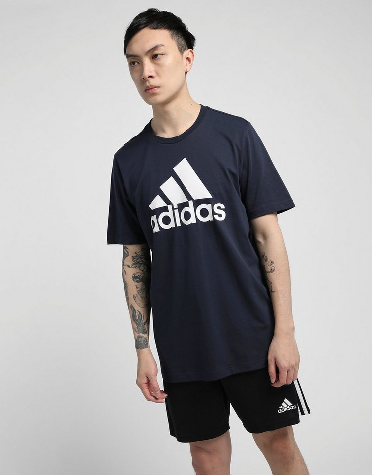 adidas เสื้อผู้ชาย Essentials Big Logo