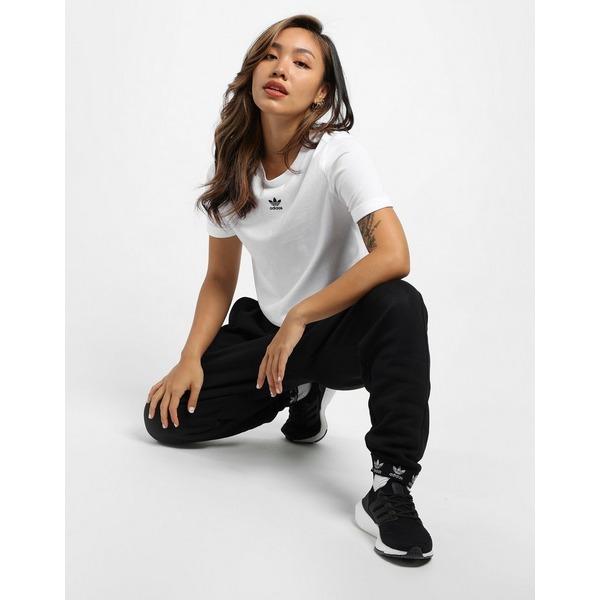 adidas Originals เสื้อครอปผู้หญิงแบบพับแขน Adicolor Classics