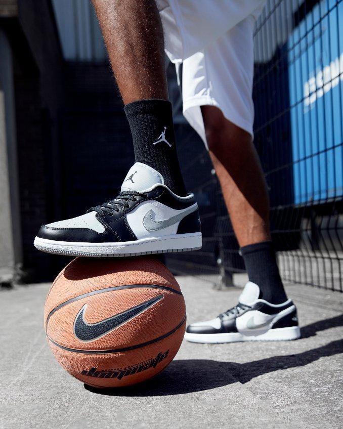 Air Jordan 1 low brancas