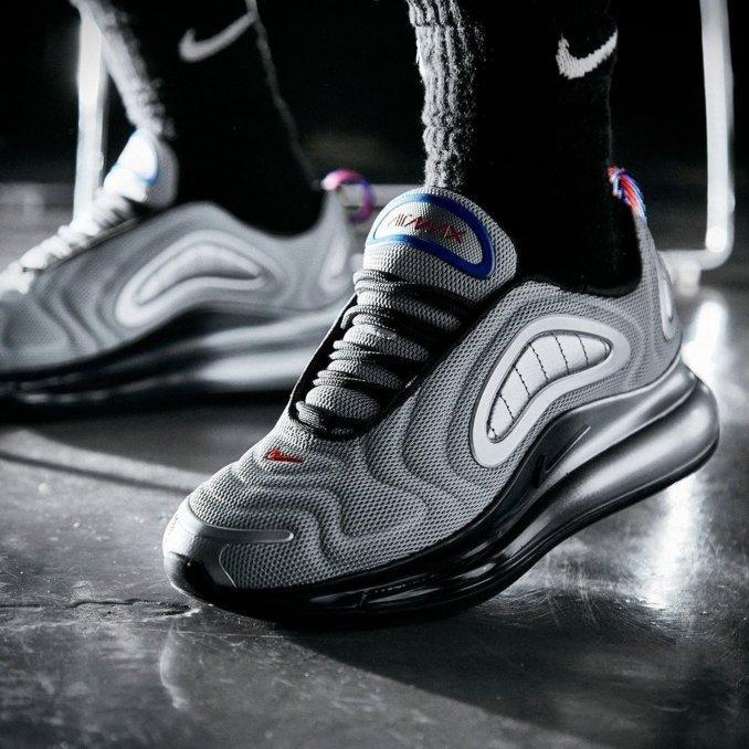 Nike Air Max 720 grises