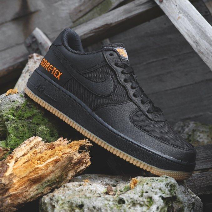 Nike Air Force 1 Gore-Tex negras