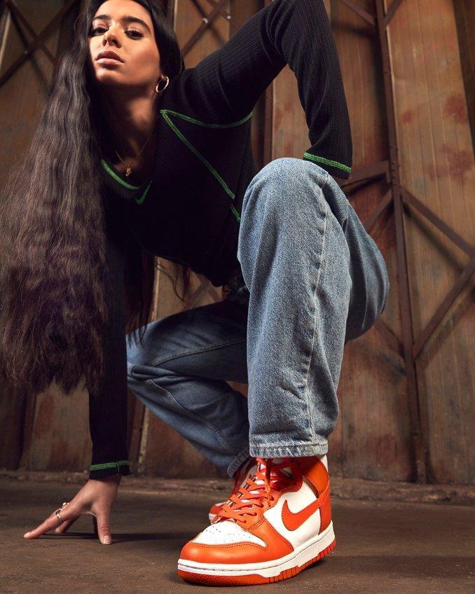 Nike Dunk High blancas y naranjas para hombre