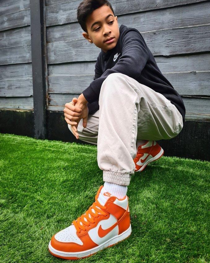Nike Dunk High blancas y naranjas para niños