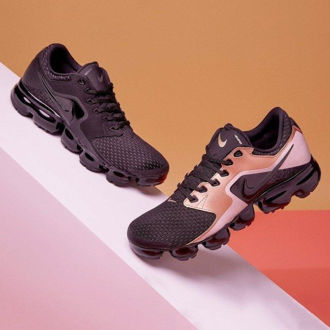 Nike Vapormax in black and pink