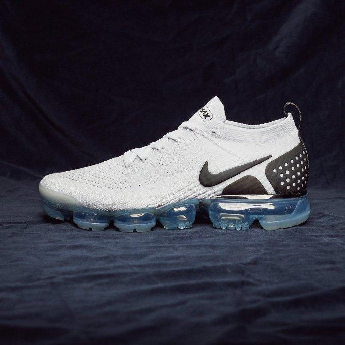 Nike Vapormax Flyknit 2 black and white