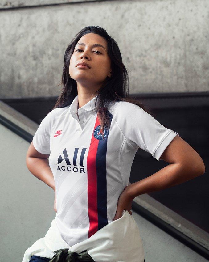 Tercera equipación del PSG para mujer