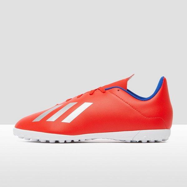rode adidas voetbalschoenen