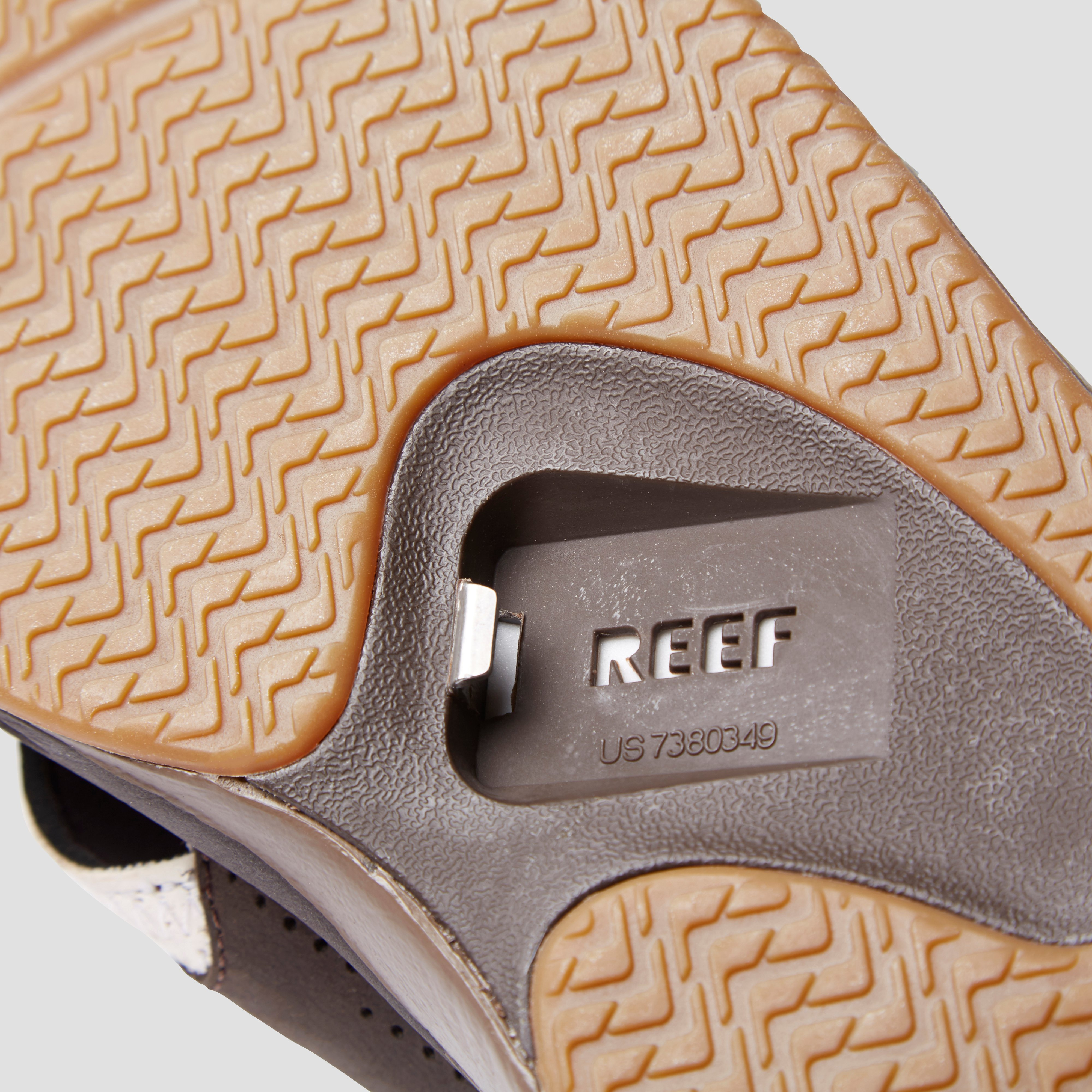REEF LEATHER FANNING SLIPPERS WIT HEREN