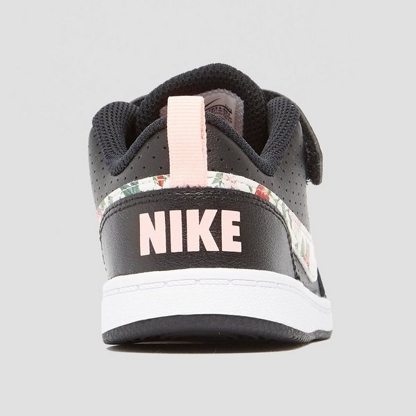 NIKE COURT BOROUGH LOW SNEAKERS ZWART/ROZE BABY