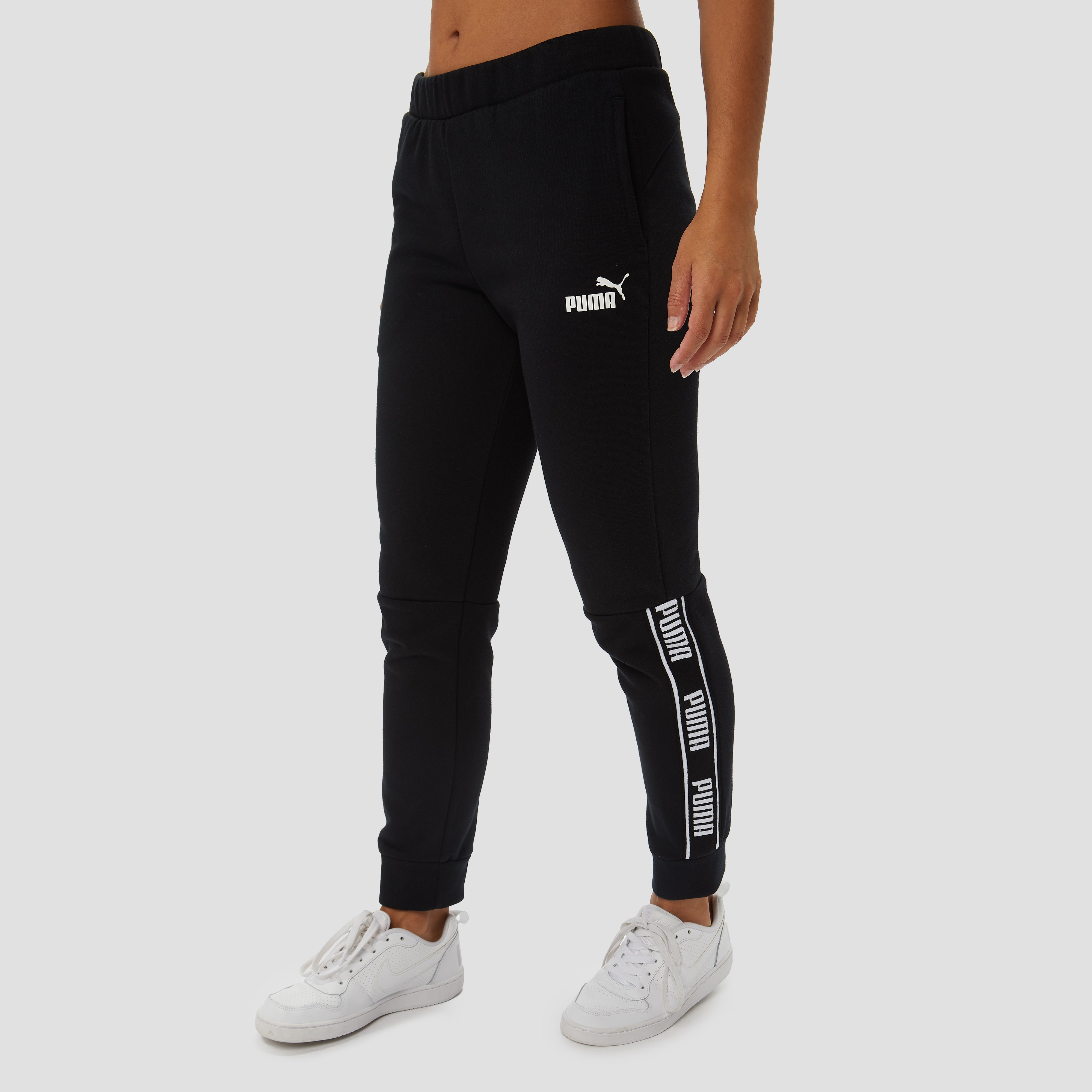 PUMA AMPLIFIED FLEECE JOGGINGBROEK ZWART DAMES | Perrysport
