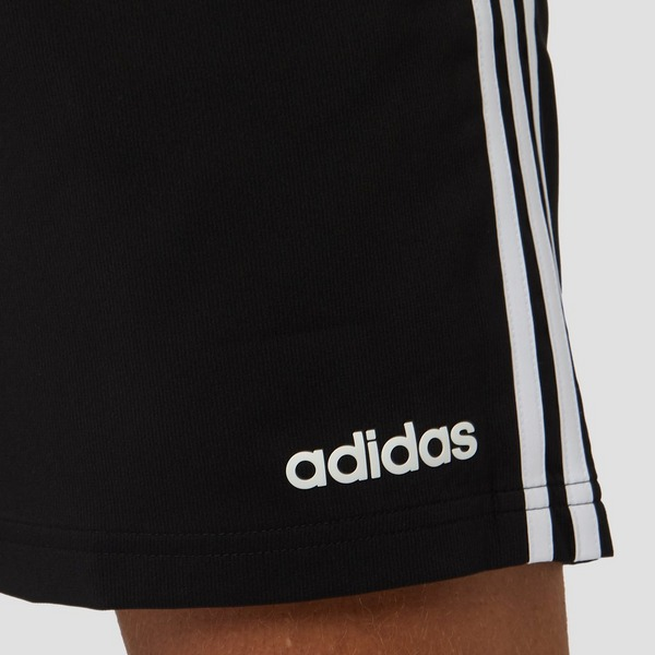 ADIDAS ESSENTIALS 3-STRIPES CHELSEA KORTE BROEK ZWART HEREN ...