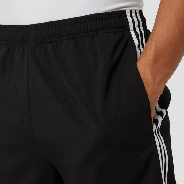 ADIDAS ESSENTIALS 3-STRIPES CHELSEA KORTE BROEK ZWART HEREN