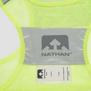 NATHAN STREAK HARDLOOPVEST GEEL