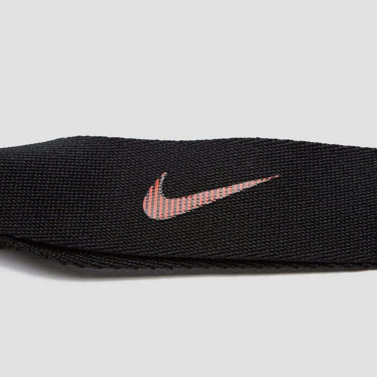 NIKE WEERSTANDSBAND MEDIUM