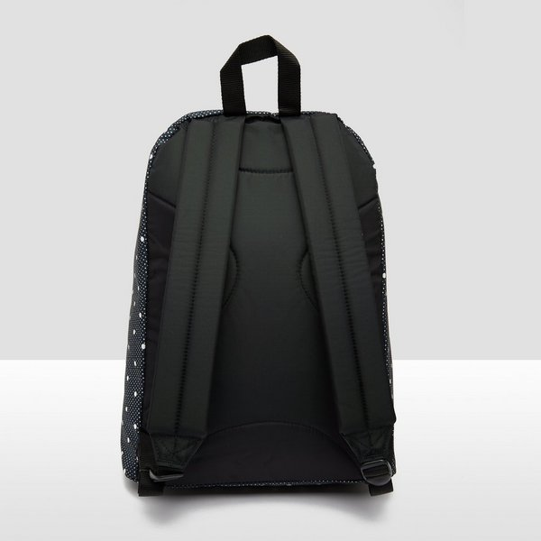 EASTPAK OUT OF OFFICE PRINT RUGZAK ZWART/WIT