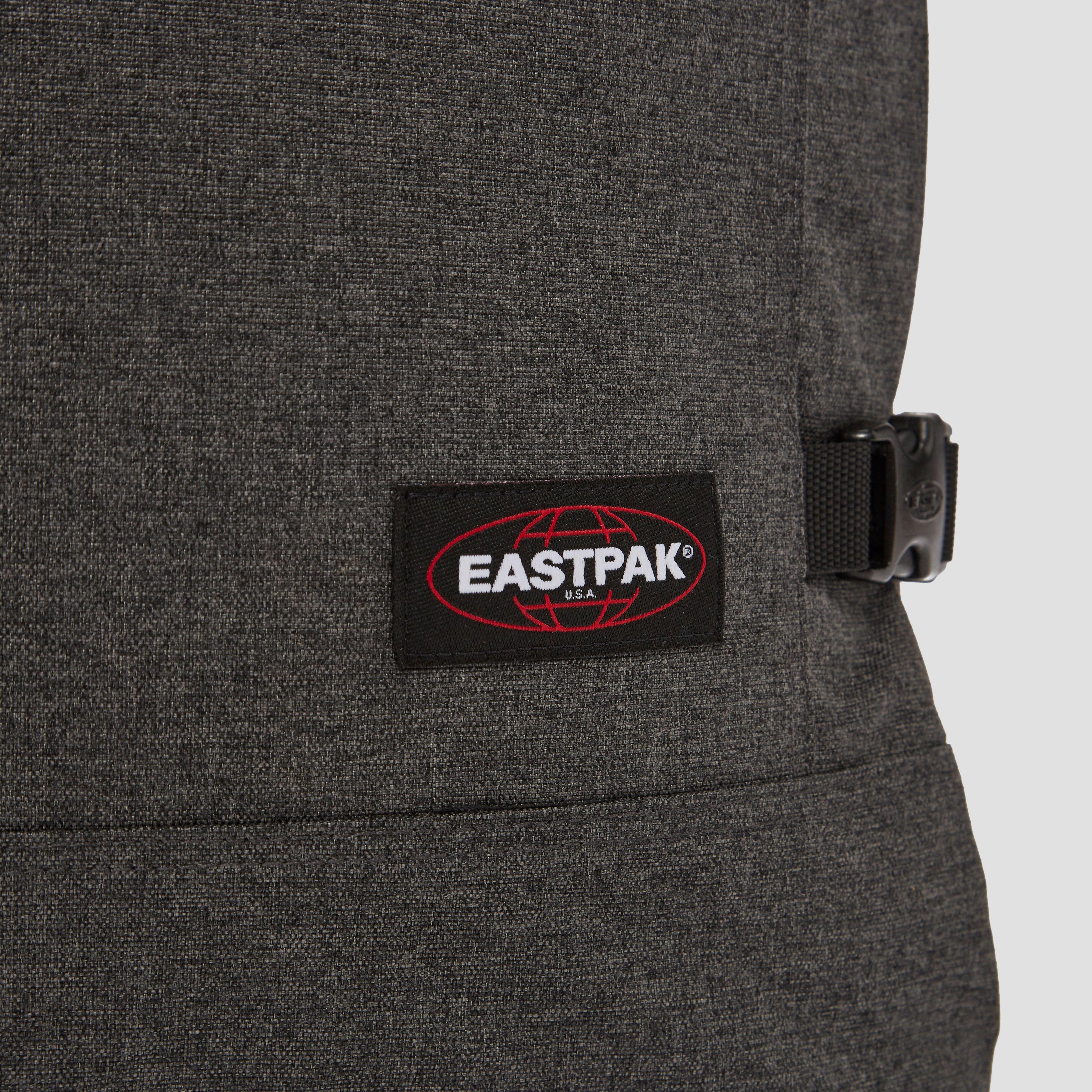EASTPAK TRANVERZ REISTAS MET WIELEN SMALL GRIJS
