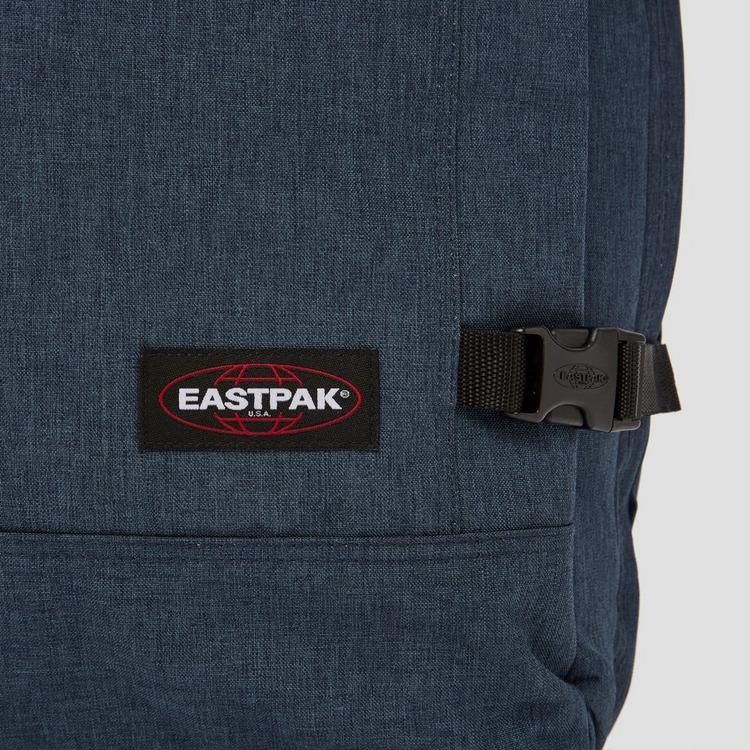 EASTPAK TRANVERZ REISTAS MET WIELEN SMALL BLAUW