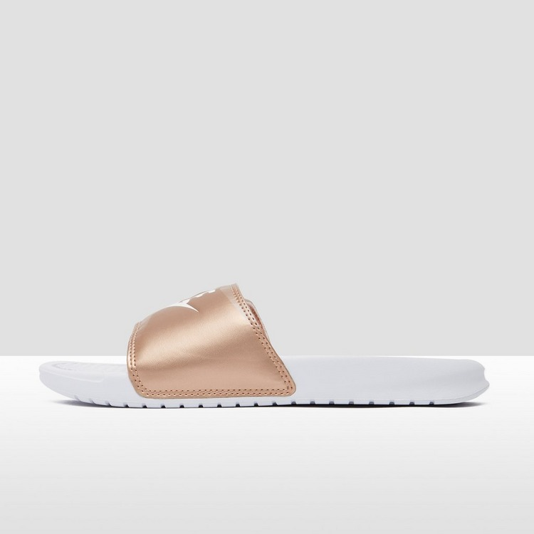 NIKE BENASSI JUST DO IT SLIPPERS WIT/GOUD DAMES