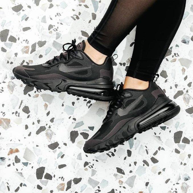 Nike Air Max 220 React negras
