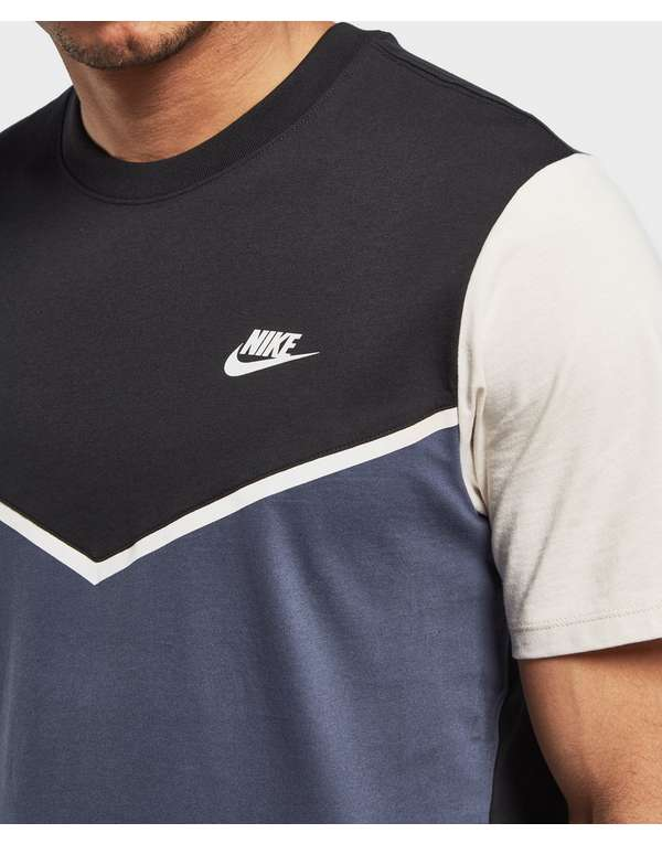 Nike Windrunner Short Sleeve T-Shirt