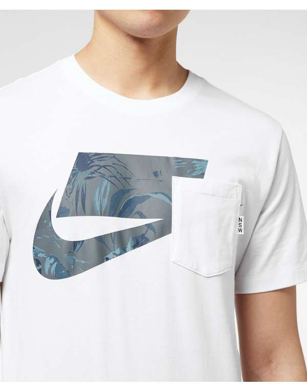 Nike Sportswear Graphic Short Sleeve T-Shirt