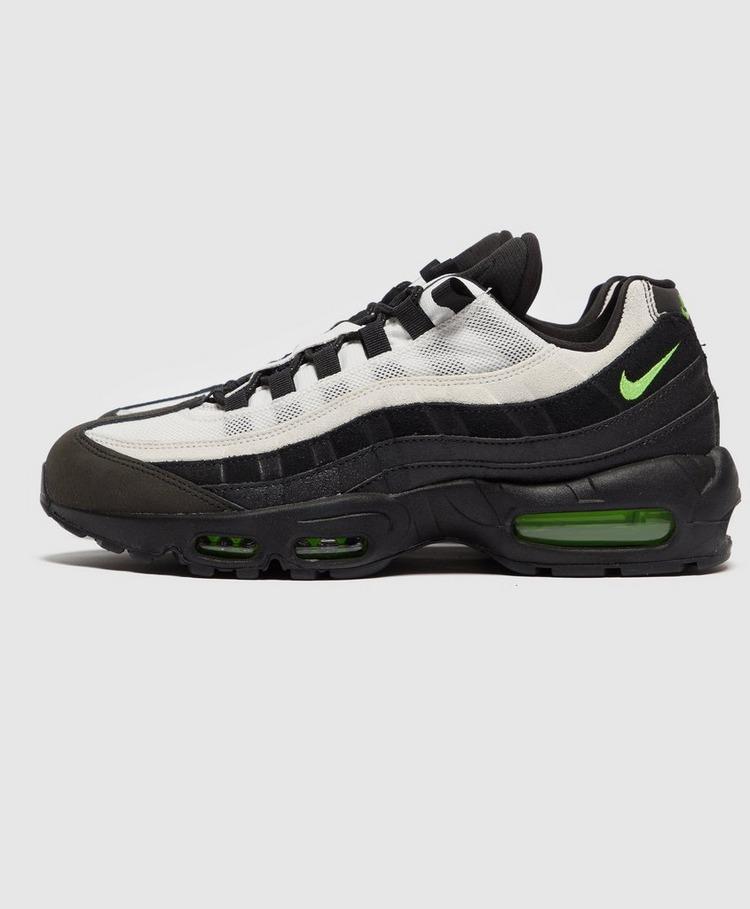 Nike Air Max 95 Essential
