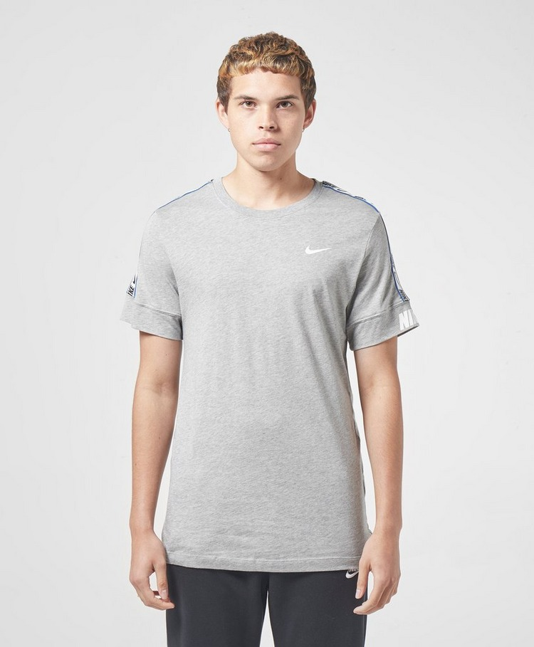 Nike Repeat Logo Short Sleeve T-Shirt