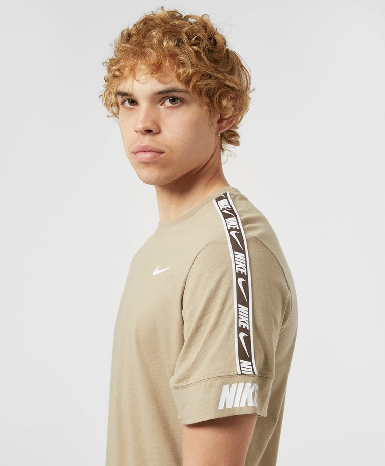 Nike Sportswear Repeat T-Shirt