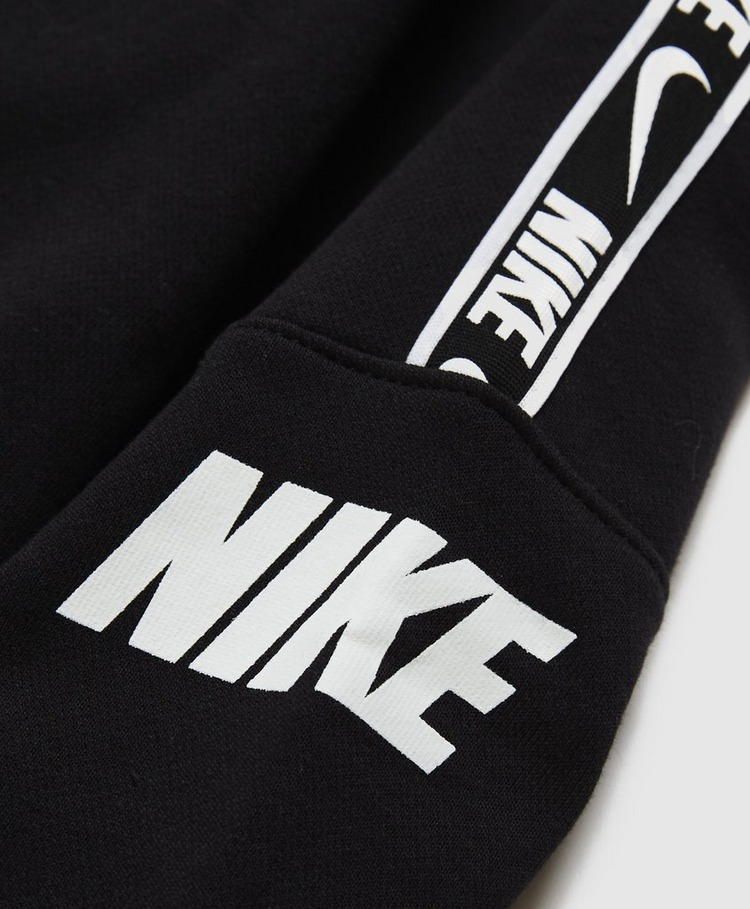 Nike Sportswear Repeat Sweatshirt