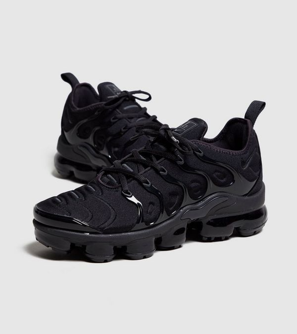 3d6314c75712e nike air vapormax plus women s black and white