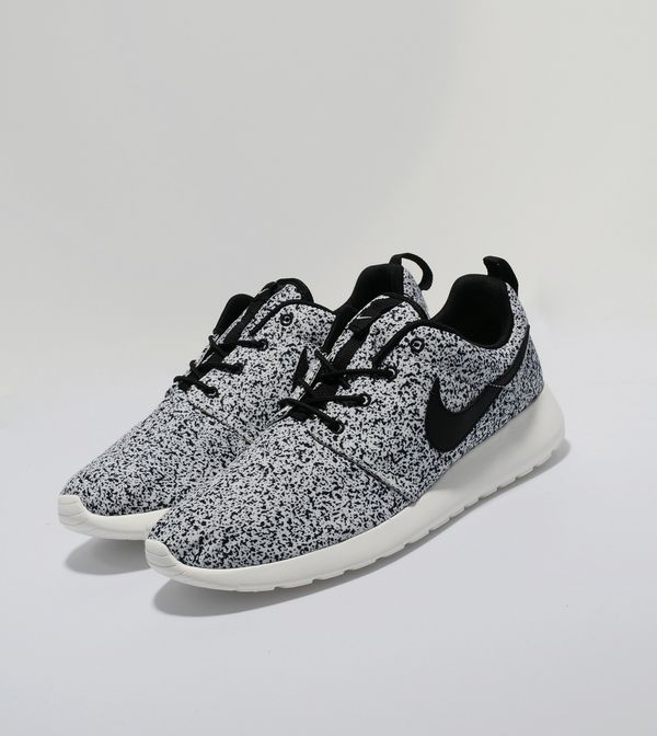 a146a546d639 Nike Roshe Run Speckle
