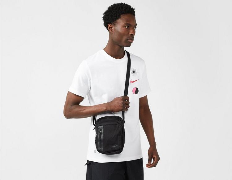 Nike Core Small Crossbody Bag
