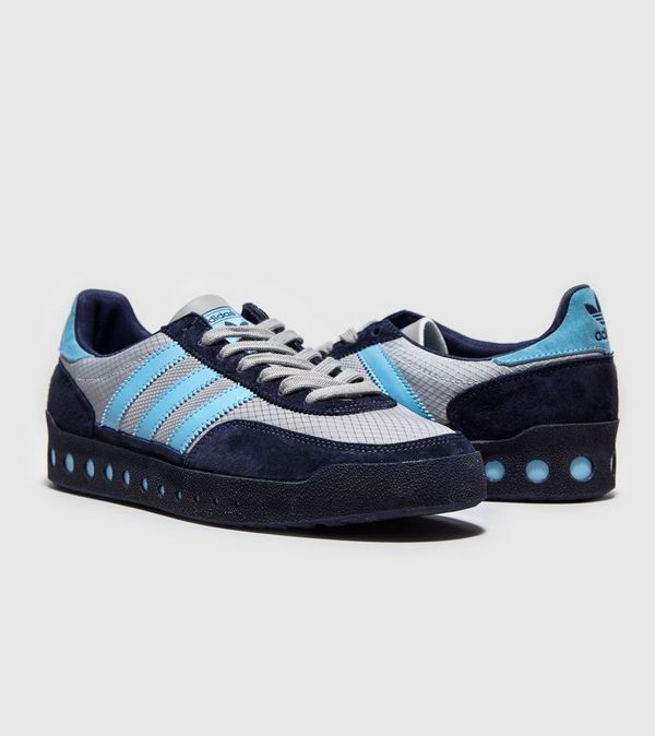 1107c7b2767 adidas Originals Training P.T 70s