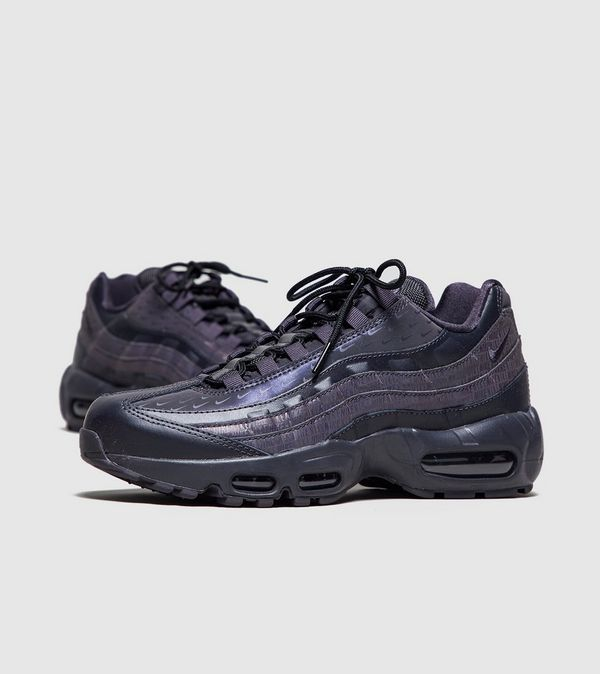 separation shoes 18cdb 7a9a9 Nike Air Max 95  Stealth  Women s