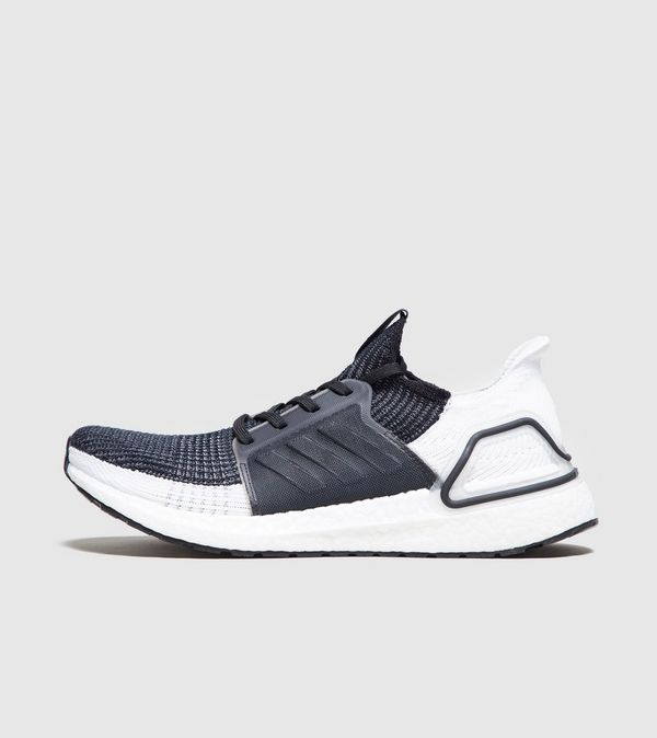 hot sale online 128e3 f257f adidas Ultra Boost 19