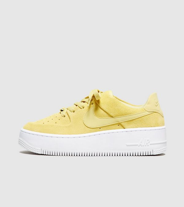nike air force 1 sage low dames beige