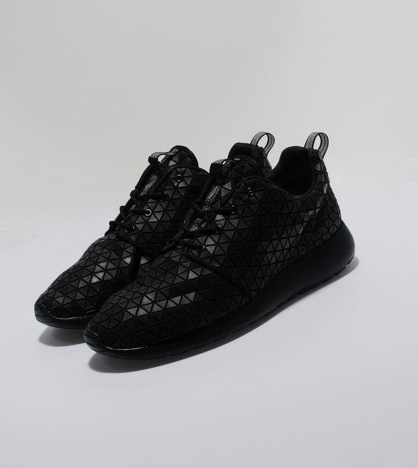 reputable site b7c0e 1185e Nike Roshe Run Metric QS