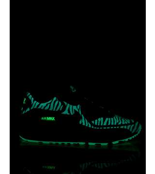 reputable site c2098 beff4 Nike Air Max 90 'Glow In The Dark'   Size?