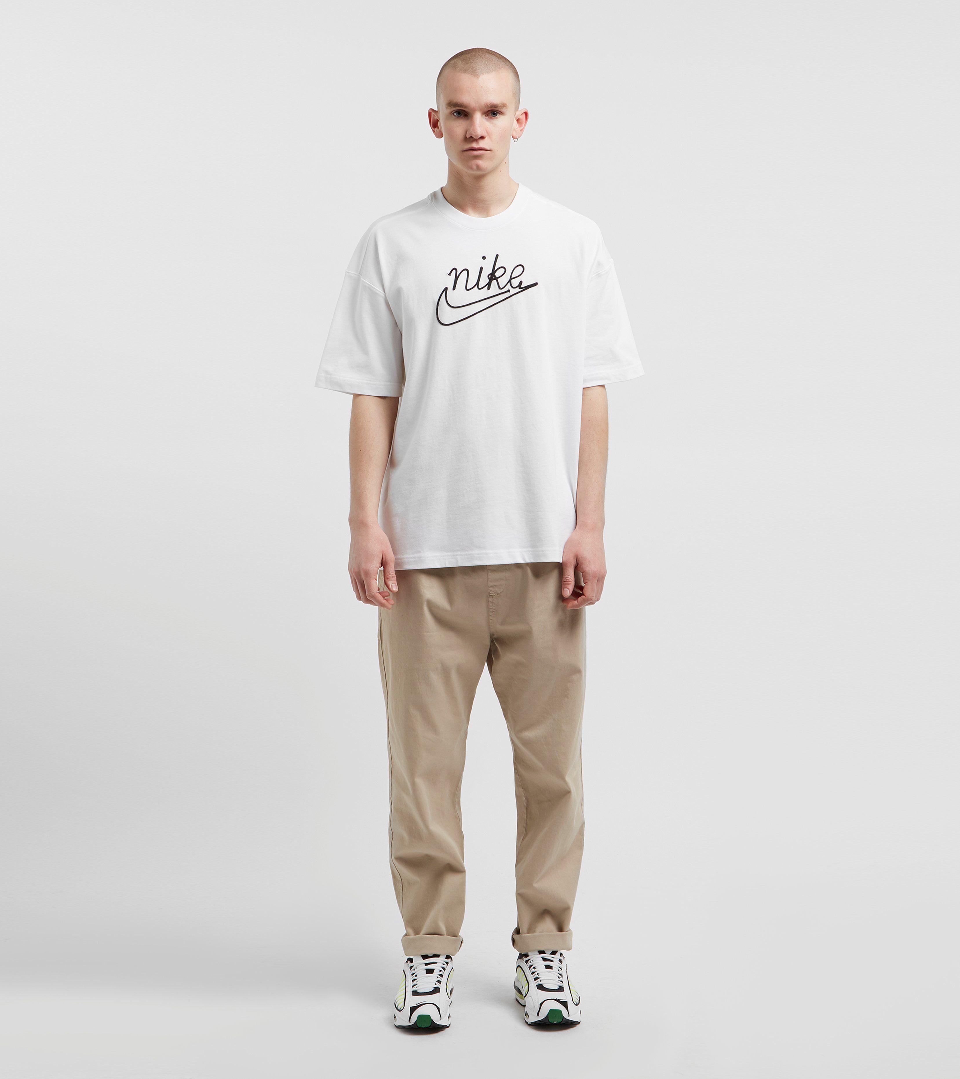 Nike Outline Short Sleeve T-Shirt