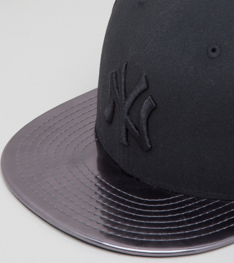 New Era Meddled New York Yankees 59FIFTY Fitted Cap