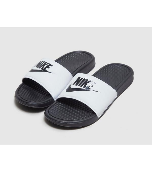 Nike Benassi Slides