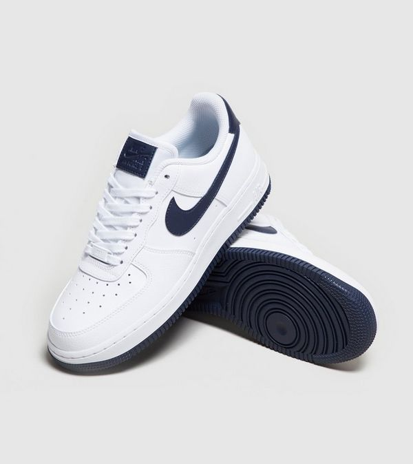 Nike Air Force 1 '07 LV8 Frauen