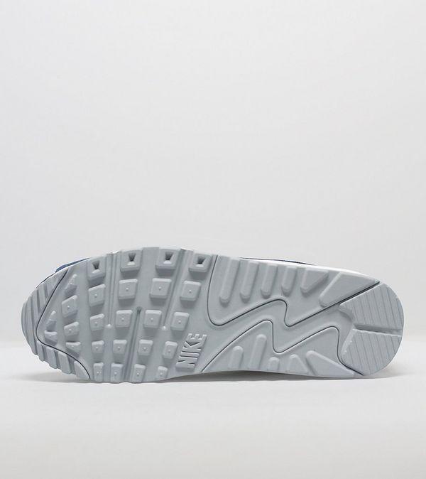 reputable site 550ba 8508d Nike Air Max 90 Essential