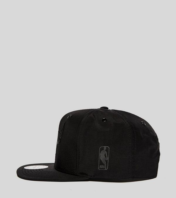 99061f2d Mitchell & Ness Chicago Bulls Snapback Cap - size? Exclusive | Size?