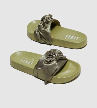 online store 4fe91 910cc PUMA Fenty Bow Slide Women's   Size?
