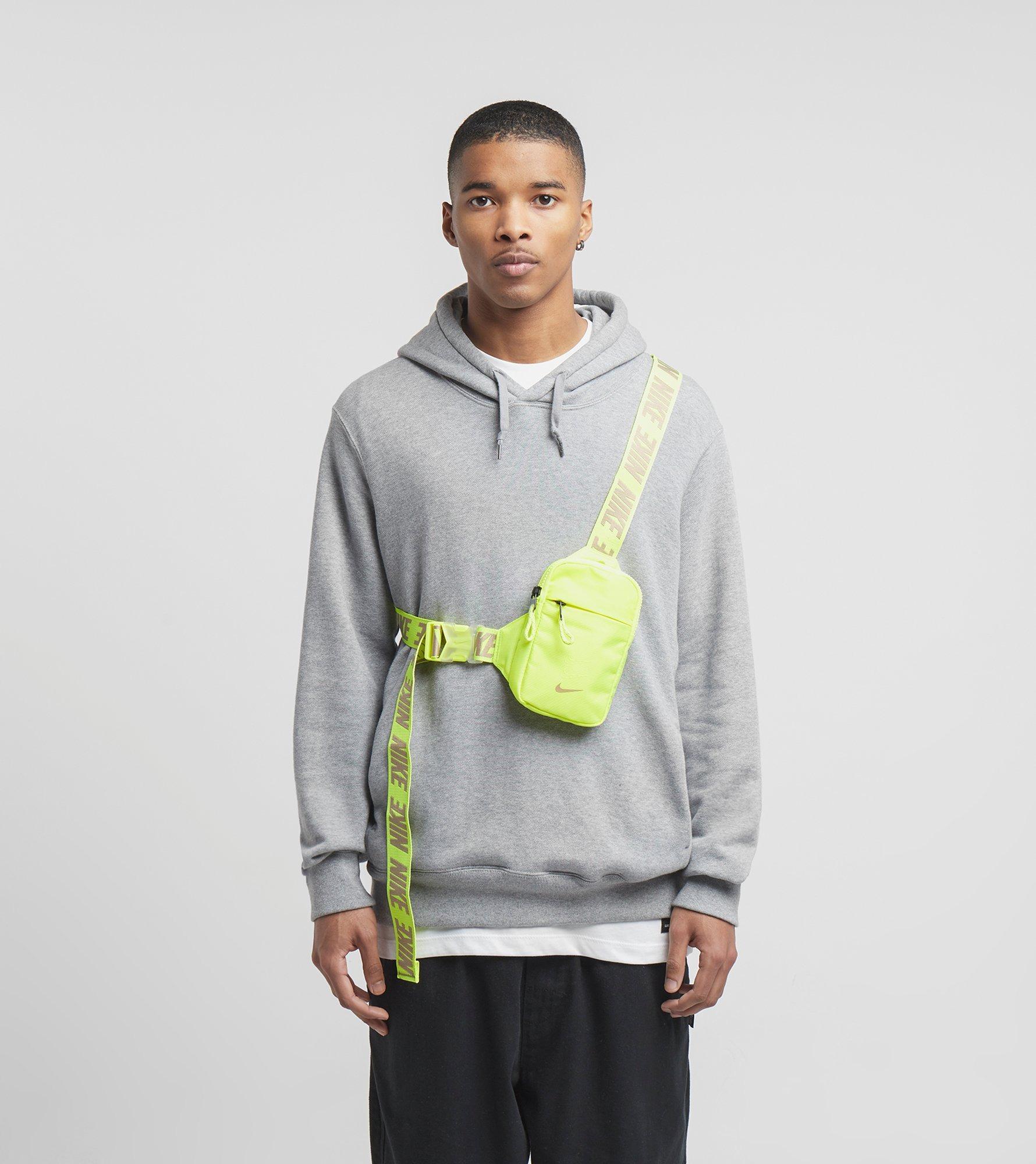 Køb Nike Essential Hip Pack i Sort | JD Sports